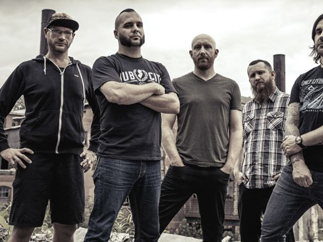 AT HOME WITH KILLSWITCH ENGAGE: BALLS TO THE WALL INTERVIEW