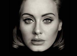 ADELE BECOMES A COMEDIAN DURING TECH ISSUE AT AUSSIE SHOW