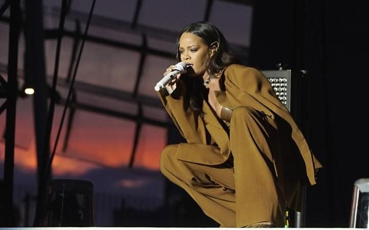 Three Days 'Til Rihanna Lands In The UK! Here's What Happened In Dublin Last Night.