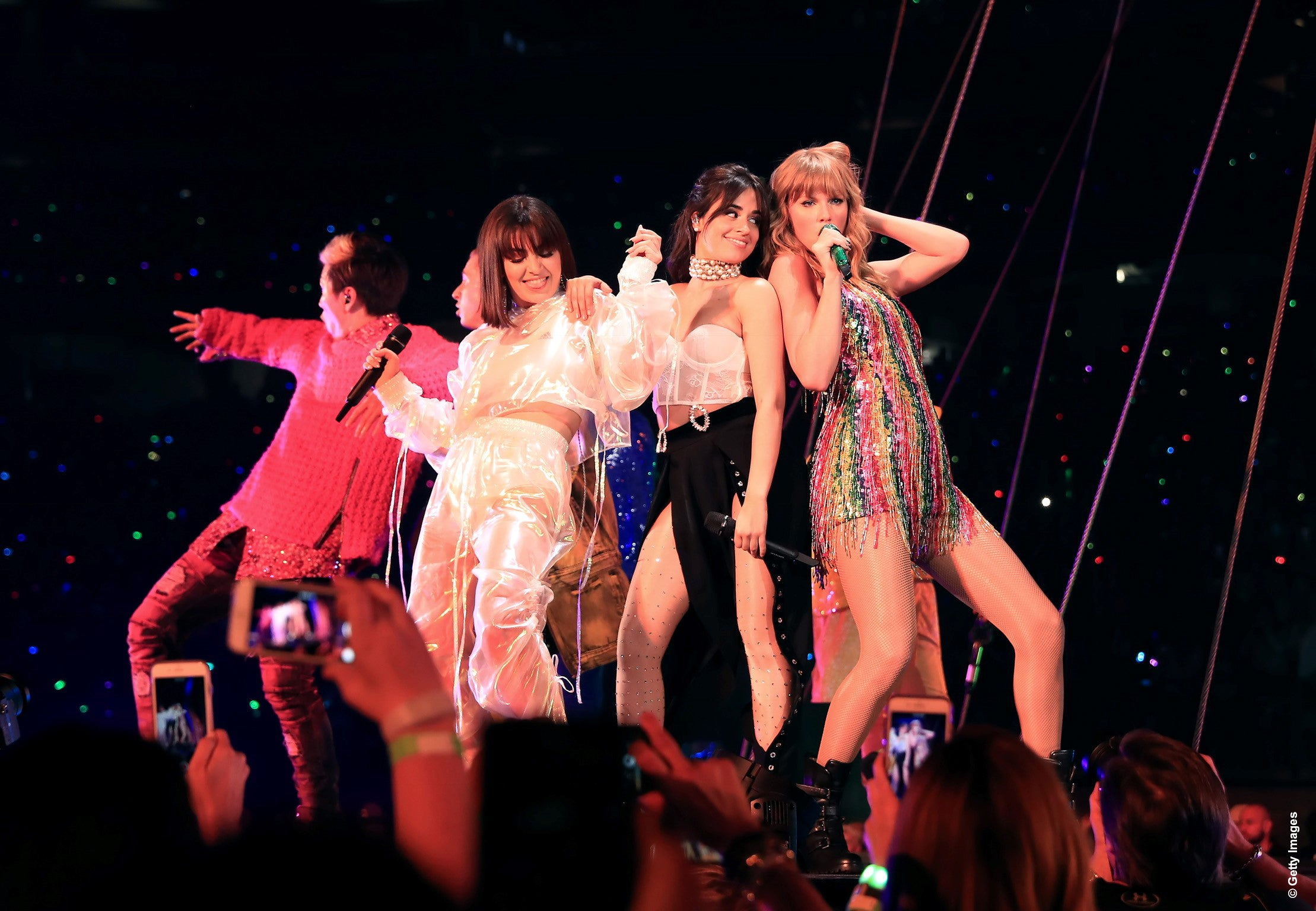 Taylor Swift Surprises Fans With Special Guests On reputation Stadium Tour