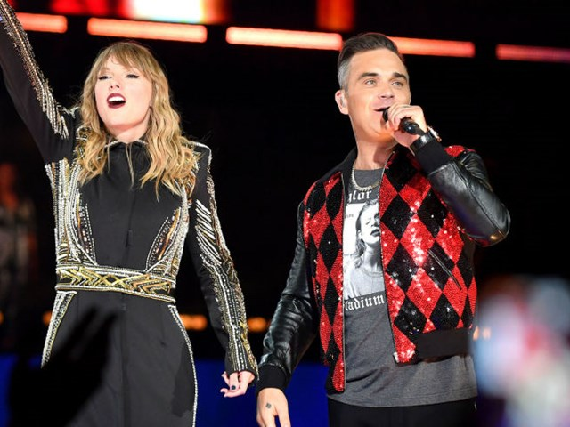 Watch Taylor Swift perform with Robbie Williams