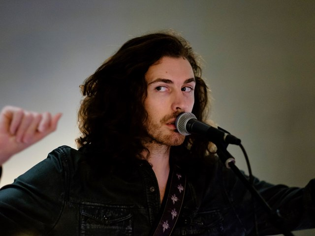 Hozier throws it back to the 90s with a Destiny's Child cover
