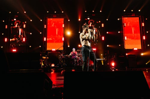 The Red Hot Chili Peppers stun at their Sydney show | Live