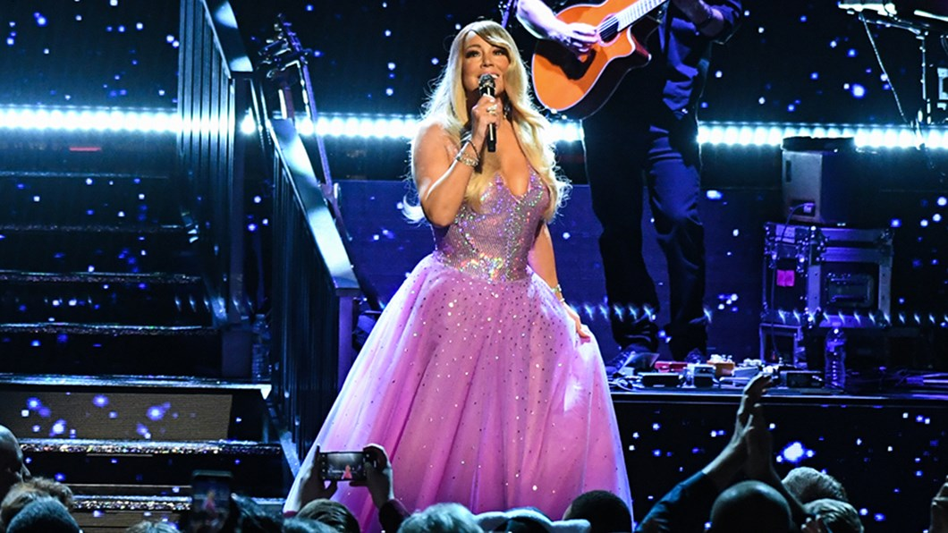 mariahcarey_gettyimages-1134058302_kevinmazur_3.jpg?anchor=center&mode=crop&width=1060&height=596