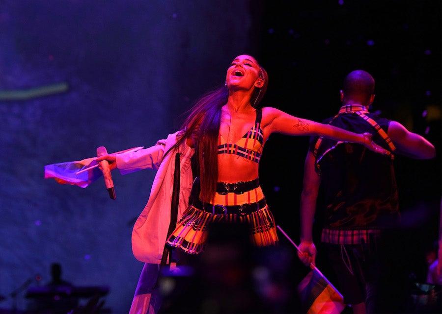 Watch Full Show For Ariana Grande S Sweetener World Tour Livenationtv