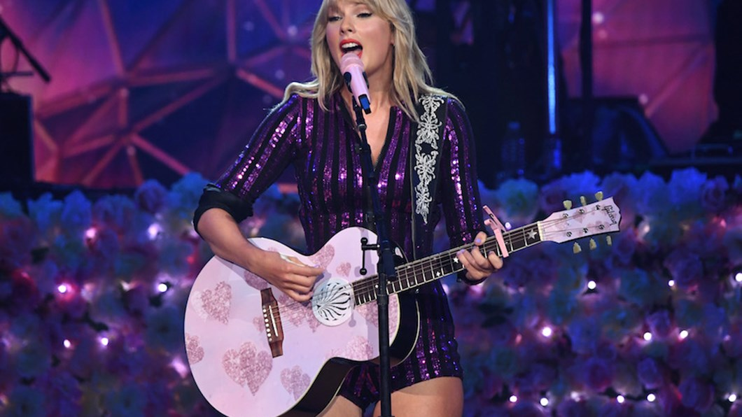 Taylor Swift Live Debuts You Need To Calm Down See The Setlist Livenationtv