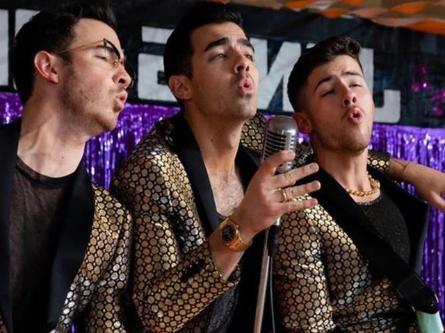 What a Man Gotta Do: il nuovo video dei Jonas Brothers