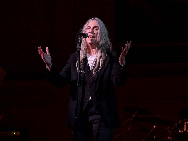 Punk Pioneers Patti Smith and Iggy Pop Play Tibet House Benefit